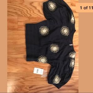 Free people navy blue cropped top . Adorable